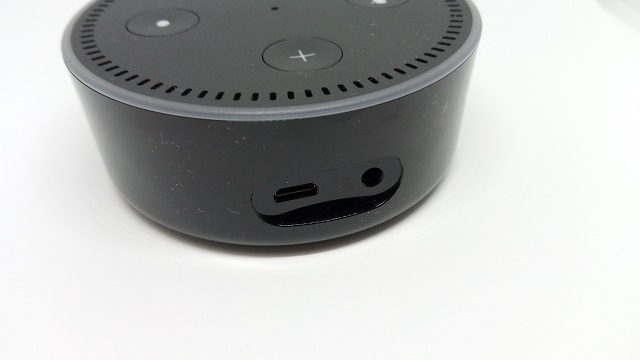 Amazon Echo Dot 背面端子