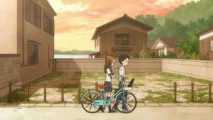 自転車押しながらスマホ
